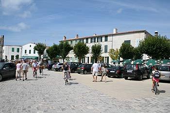 place centrale à Ars-en-Ré