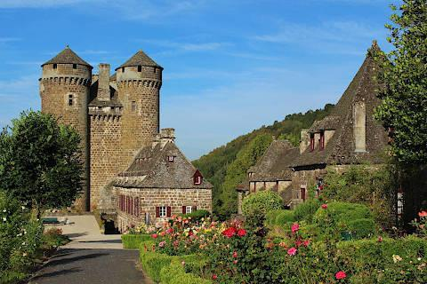Auvergne France travel guide places to visit and attractions in
