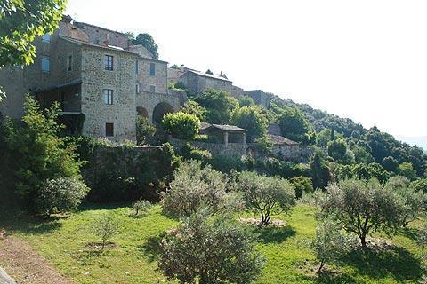 Photo de Banne en Ardeche villages (Rhone-Alpes region)
