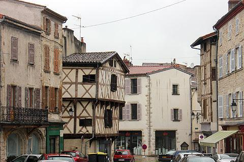 Photo of Pont-du-Chateau in Puy-de-Dome