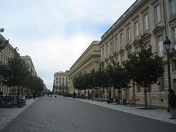 broad boulevard in Bordeaux