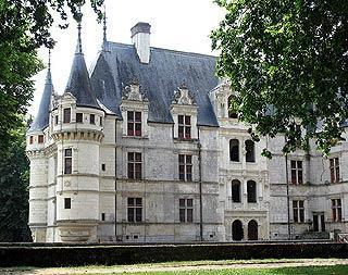 Entrance to Azay-le-Rideau castle