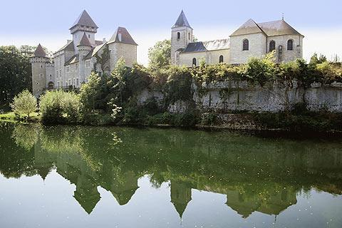 Photo of Chateau de Cleron in Loue River valley (Franche-Comte region)