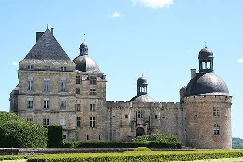 Photo of Chateau de Hautefort in Dordogne Chateau (Aquitaine region)