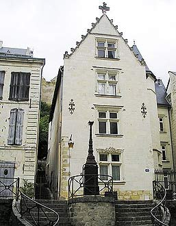 Renaissance period house in Chinon old town
