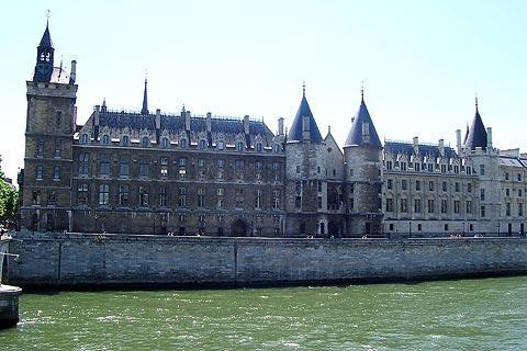 Photo of Conciergerie in Paris