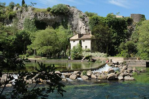 Photo de Fontaine-de-Vaucluse de Vaucluse