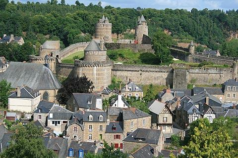 Photo of Saint-Berthevin-la-Tanniere in Mayenne