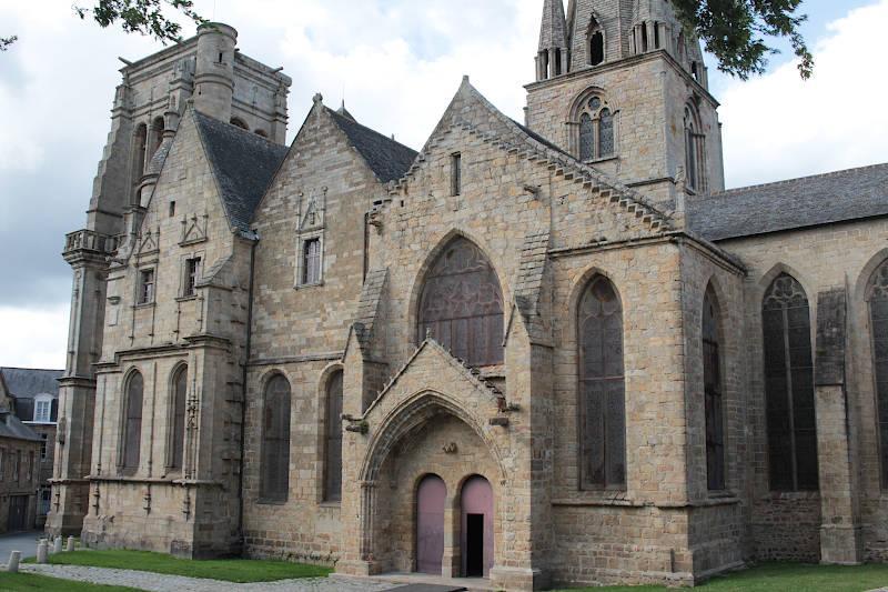 Photo of Guingamp Basilica of Notre-Dame-de-Bon-Secours
