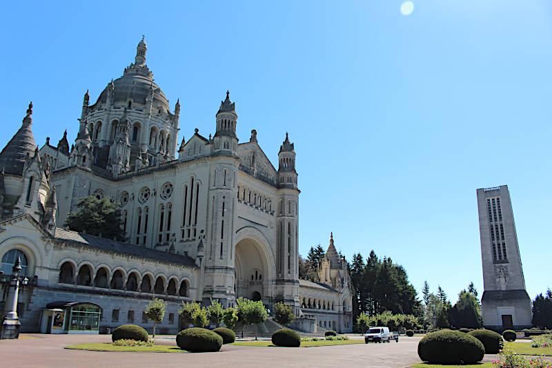 Photo of Lisieux Basilica