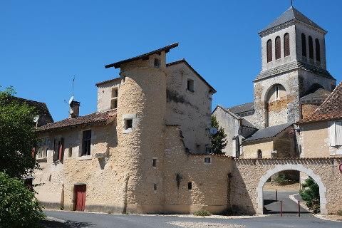Photo of Eglise-Neuve-d'Issac in Dordogne