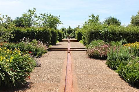 Les jardins de colette proche de brive la gaillarde for Les jardins en france