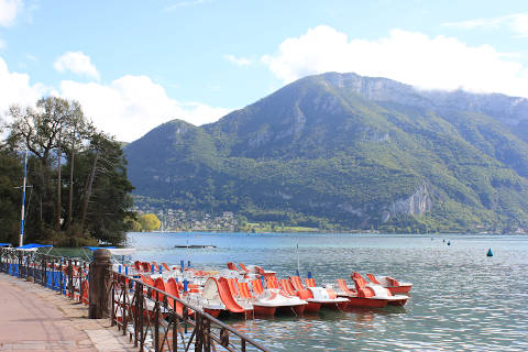 Photo of Lake Annecy in Haute-Savoie