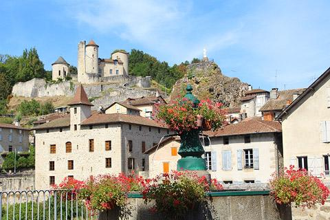 Photo of Saint-Santin-Cantales in Cantal