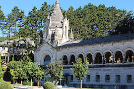 Lisieux france travel and tourism attractions and for Piscine lisieux