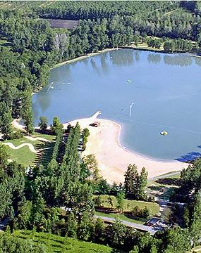 Leisure lake close to  Moncontour, Vienne