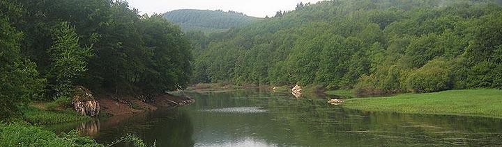 Lac de Pannecière, parc régional du Morvan