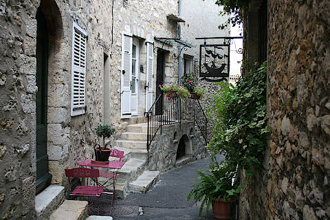 Photo of Mougins in Alpes-Maritimes