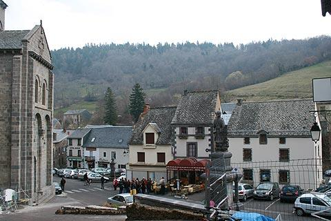 Photo de Orcival en Massif Central (Auvergne region)