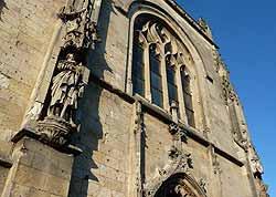 façade de l'église de Saint-Jean-Baptiste à Péronne