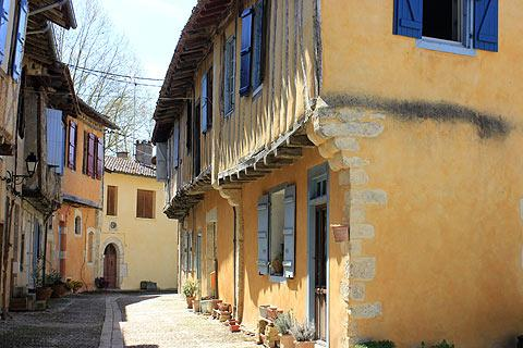 Photo of Roquelaure-Saint-Aubin in Gers