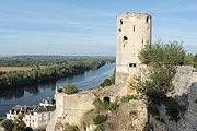 Chateau de Chinon village