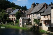 Segur-le-Chateau village
