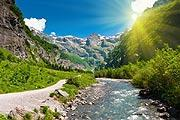 Sixt-Fer-a-Cheval village