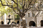 photo of Uzes