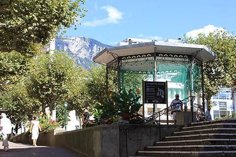 Les montagnes derrière Aix-les-Bains