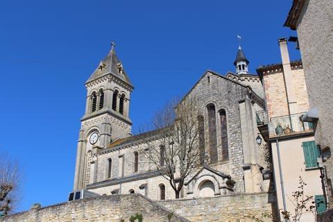 Eglise dans le centre du village d'Albas