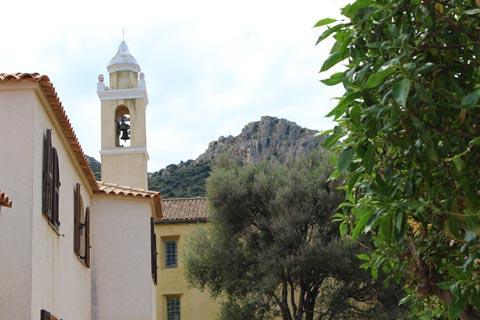 Eglise dans le centre de Algajola
