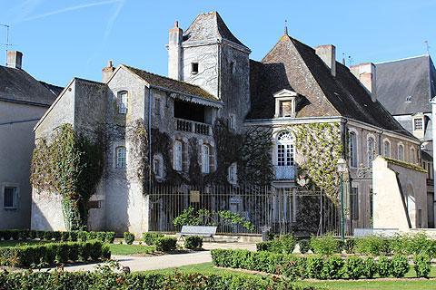 Imposante manoir à Argenton-sur-Creuse