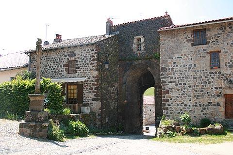 Ancienne entrée au village d'Arlempdes