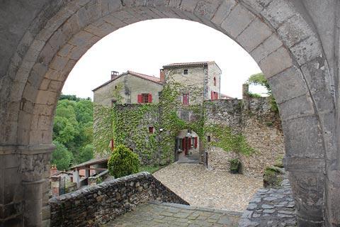 Centre village d'Auzon
