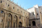 large-palace-courtyard