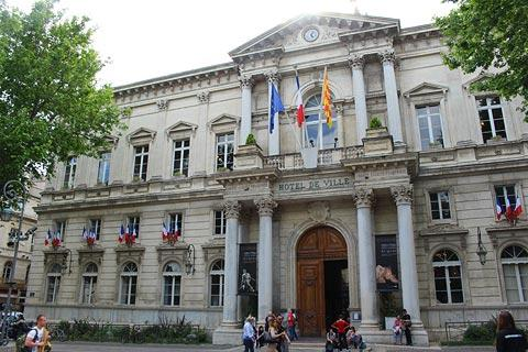 town hall in avignon