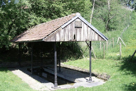 Lavoir traditionnel en ville