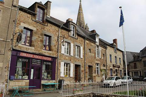 Book shops in Becherel