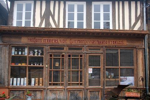 traditionnelle vitrine à Beuvron-sur-Auge