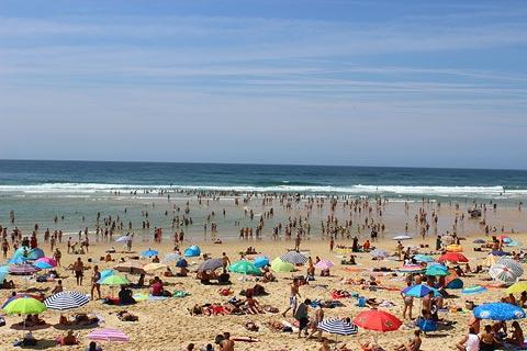 busy Biscarrosse beach in July