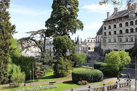 Jardins à côté du Château de Blois