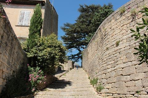Rue des Penitents staircase in Bonnieux