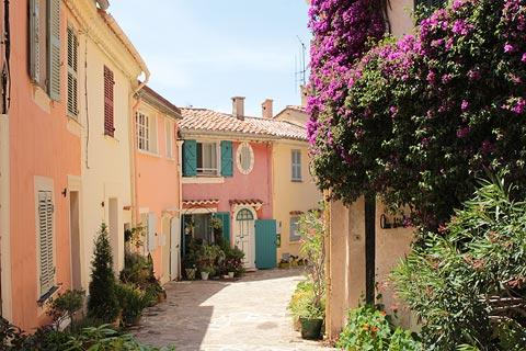 Pretty houses in Bormes village