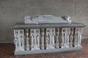 decorative-tomb