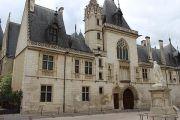 palais-entrance