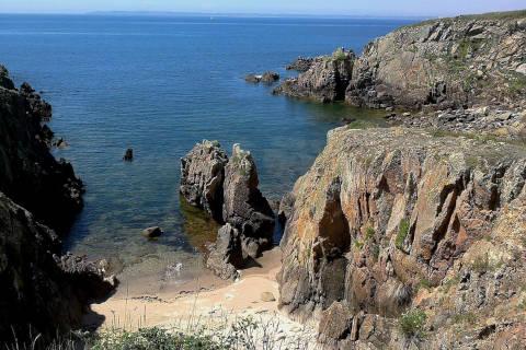 Côte rocheuse de l'île de Houat