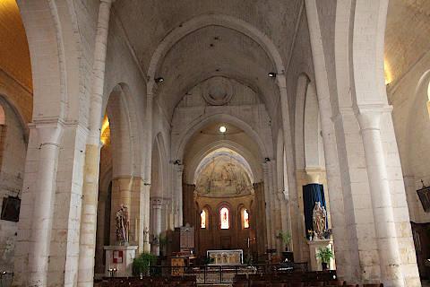 Nef de l'abbatiale de Cadouin