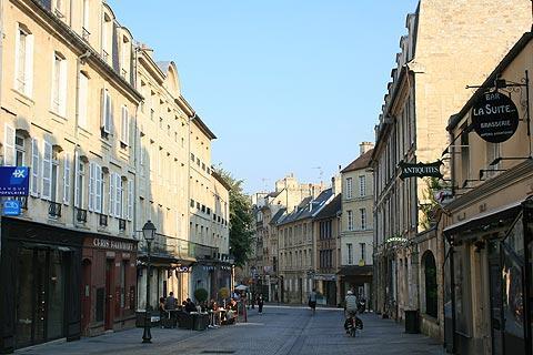 Visiter caen guide de voyage et information de tourisme pour caen calvados - Rue saint laurent caen ...