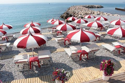 Visiter cagnes sur mer et haut de cagnes guide de voyage for Garage de la plage cagnes sur mer